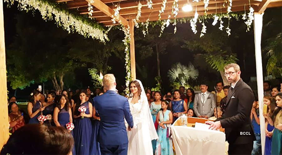 Aashka Goradia and Brent Goble's wedding ceremony