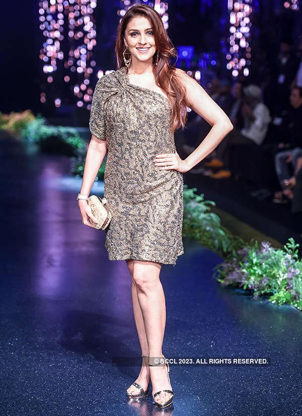 Blenders Pride Fashion Tour: Tarun Tahiliani