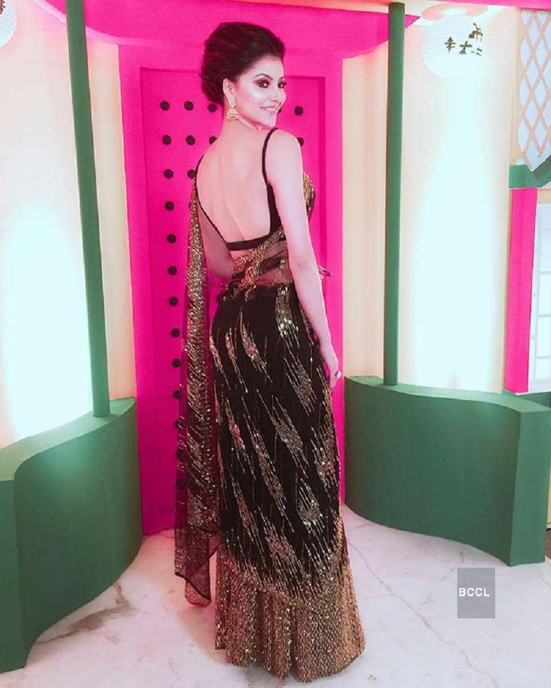 Urvashi Rautela Hot Photos Hd Hq Bikini Images Of Actress