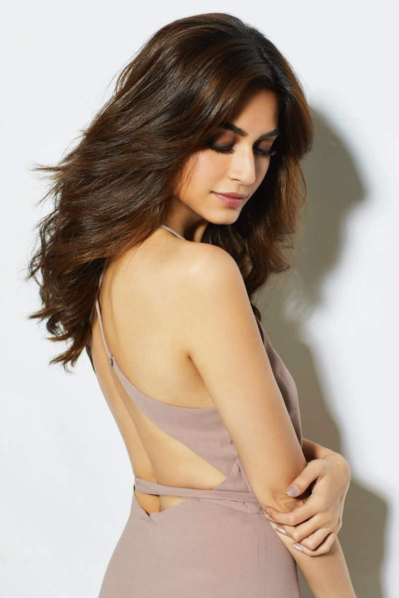 ​Kriti Kharbanda hot & sexy hd hq photos xxx
