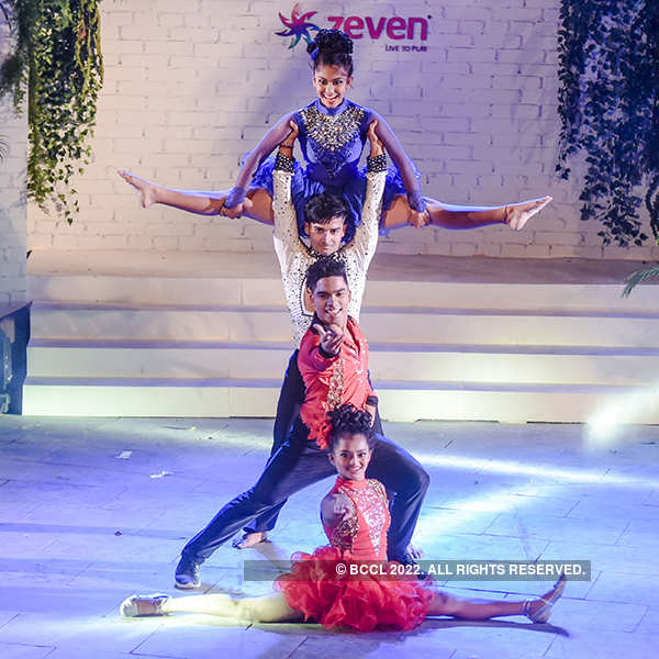 Peter England Mr. India 2017: Performances by Bad Salsa Dance Group