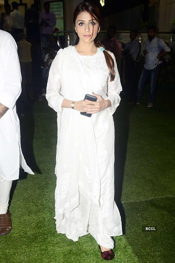 Celebrities attend Neeraj Vora's prayer meet