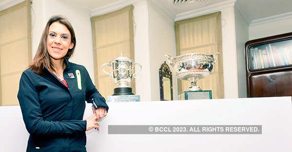 Marion Bartoli announces tennis comeback