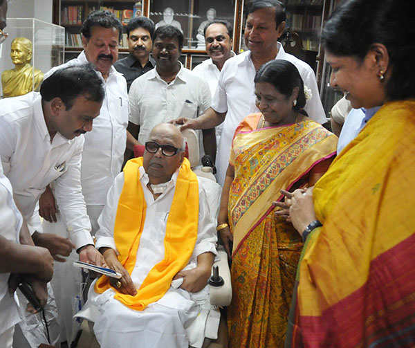 A Raja, Kanimozhi meet DMK chief M Karunanidh
