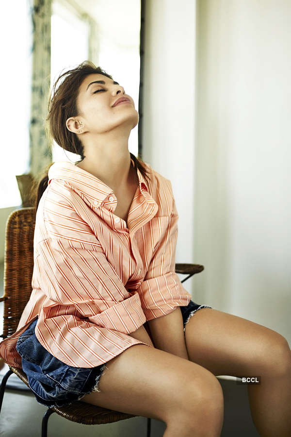 Jacqueline Fernandez in this sultry photo will give you the perfect weekend vibe