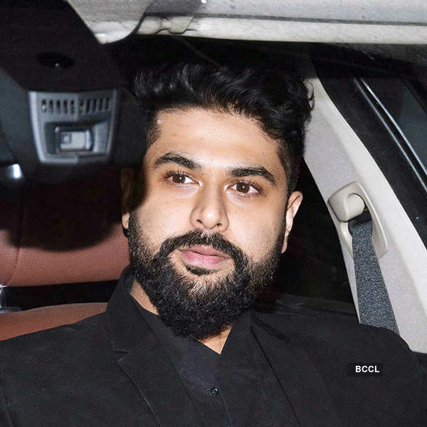 Bollywood celebs come in full attendance at Karan Johar's Christmas party