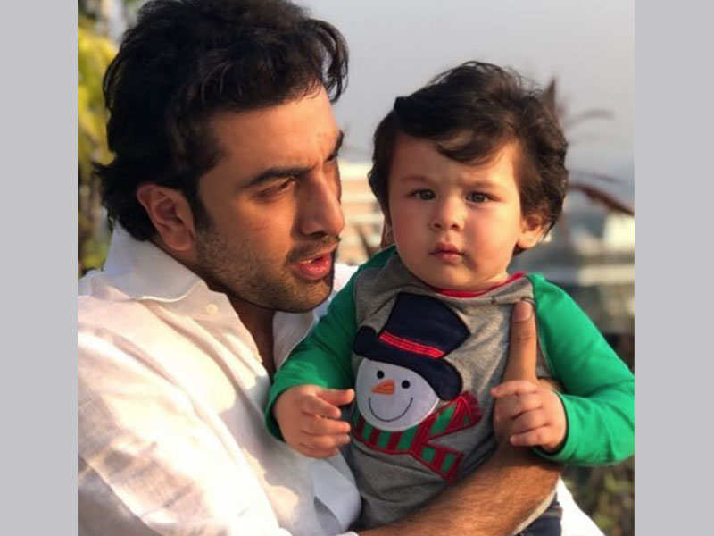Taimur Ali Khan steals the limelight from Ranbir Kapoor at the Kapoor brunch