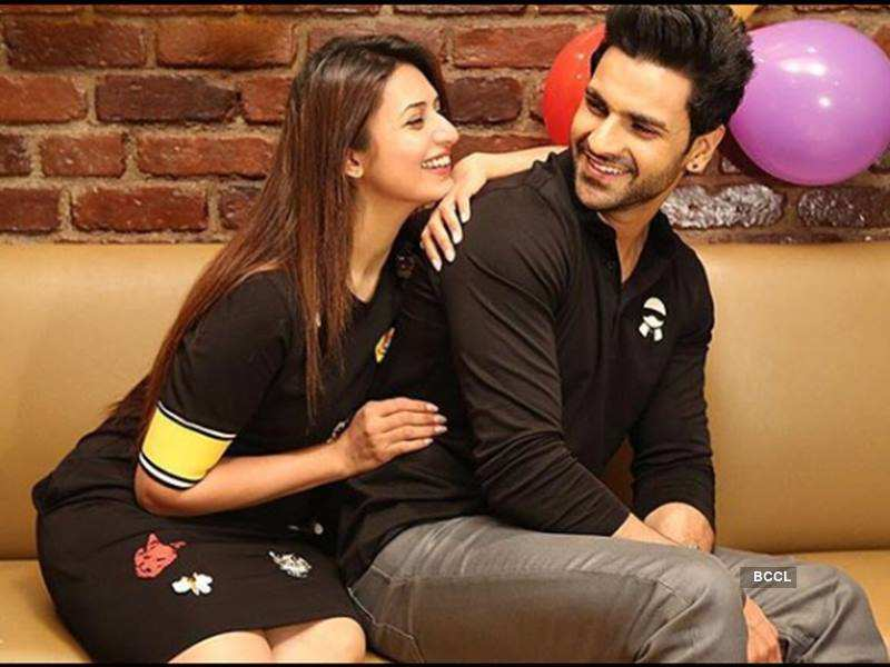 Divyanka is caught in a moment