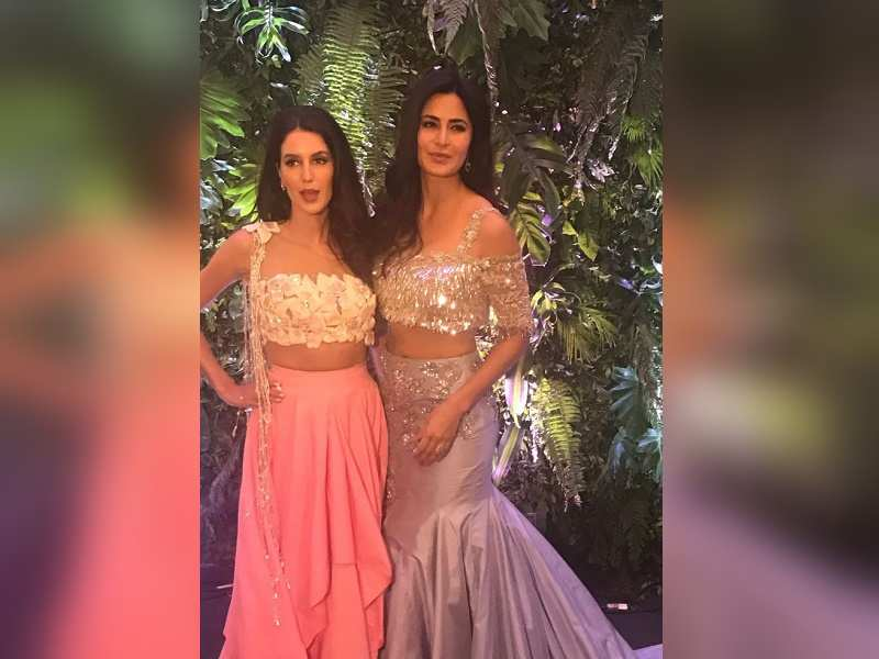 Katrina Kaif Makes A Stunning Earance At Hka And Virat S Wedding Reception