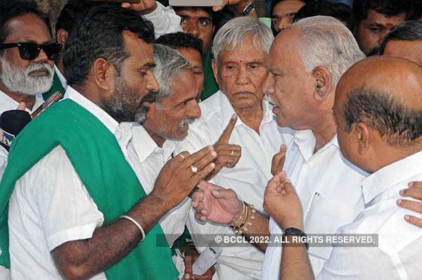 Farmers intensify protest over Mahadayi water dispute