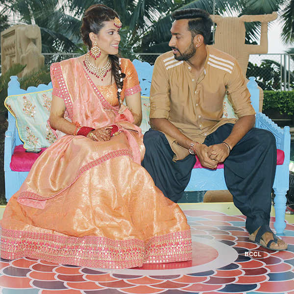 Hardik Pandya attends brother Krunal Pandya's mehendi ceremony
