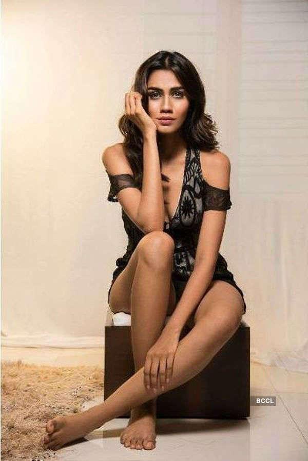 Apeksha Porwal's scintillating photoshoot