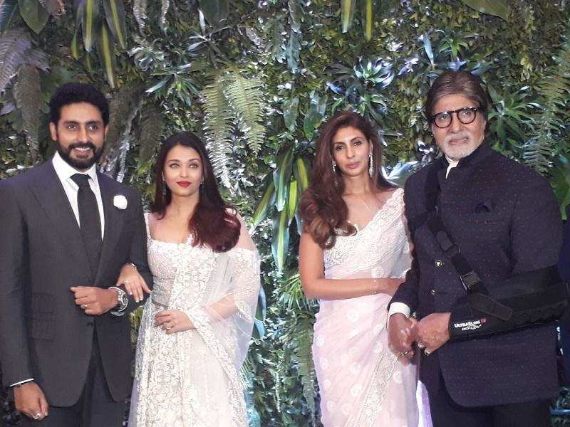 Abhishek Bachchan-Aishwarya Rai Bachchan and Amitabh Bachchan-Shweta Bachchan Nanda come together at the grand Virushka reception