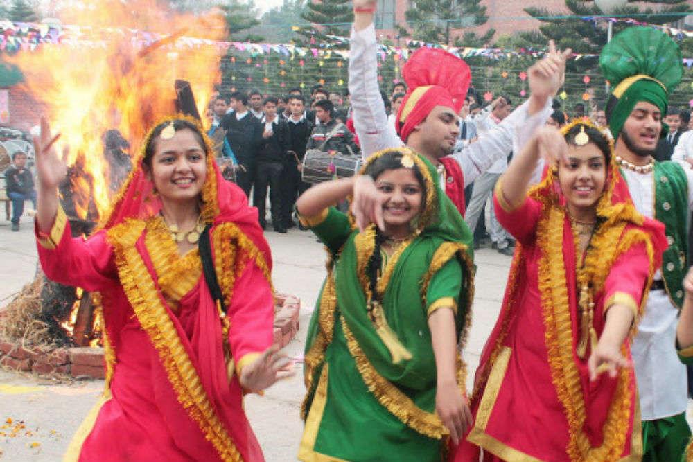 Lohri 2018 I Lohri Festival of Punjab | Punjab Festival | Times of India  Travel