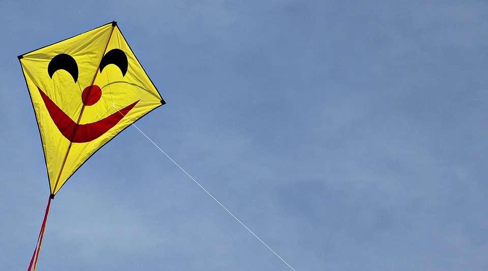 flying-kites-2300969_960_720