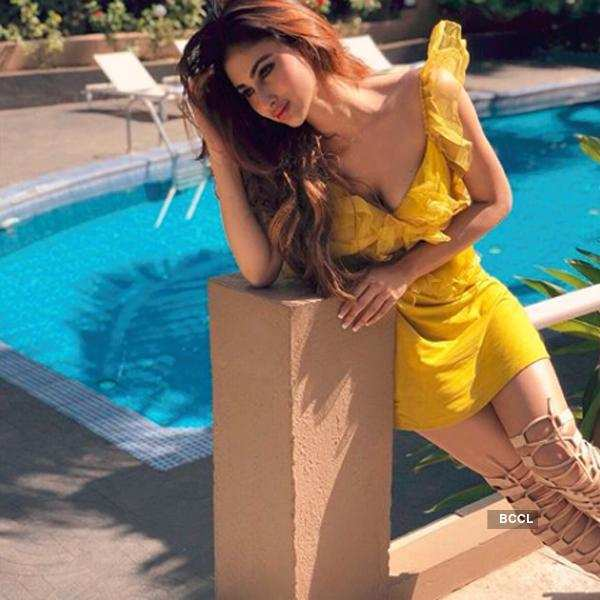 Mouni Roy Pic in Sexy Yellow