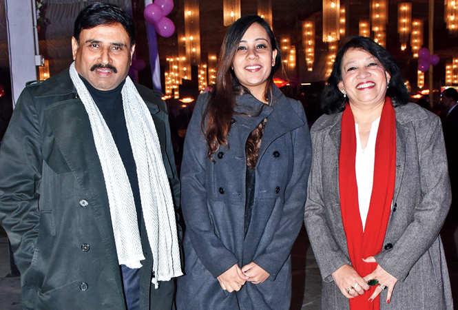 (L-R) Lt Gen JK Sharma, Kanika and Anita Sharma (BCCL/ Vishnu Jaiswal)