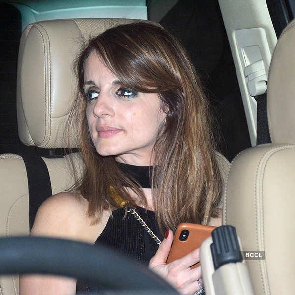 Deepika, Ranveer arrive together at Shah Rukh Khan's party