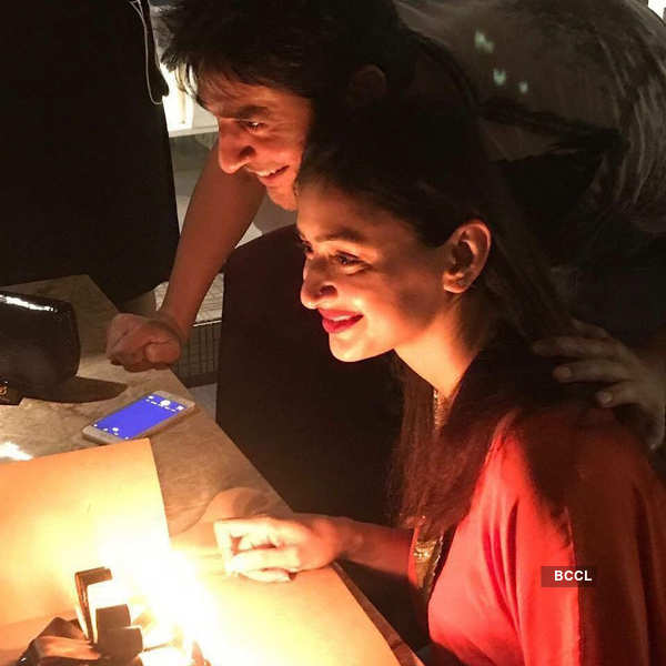 Hiten Tejwani's PDA moments with wife Gauri Pradhan on his birthday
