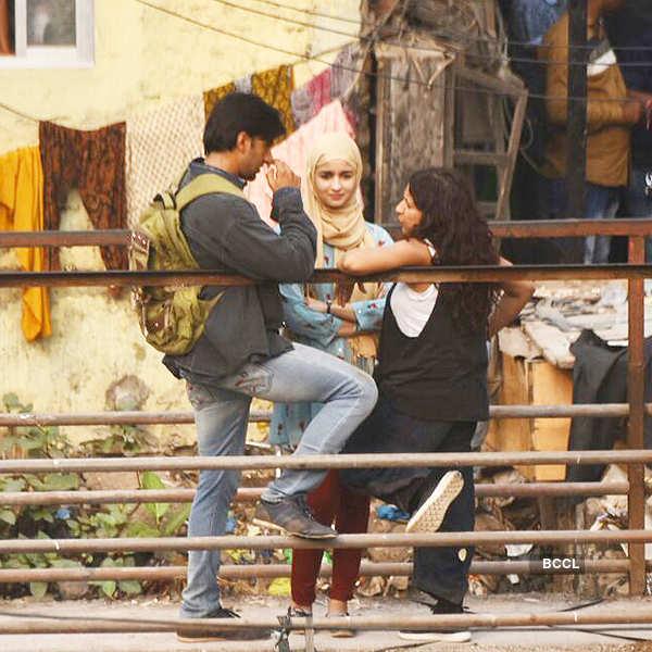 Alia Bhatt & Ranveer Singh go de-glam for 'Gully Boy'