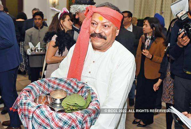 RAN_6722-Amit-Mittal-(was-dressed-as-paan-waala)-CHECK-CAPTION