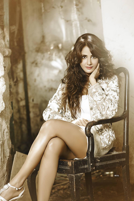 Photos of the gorgeous Kannada actress Parul Yadav