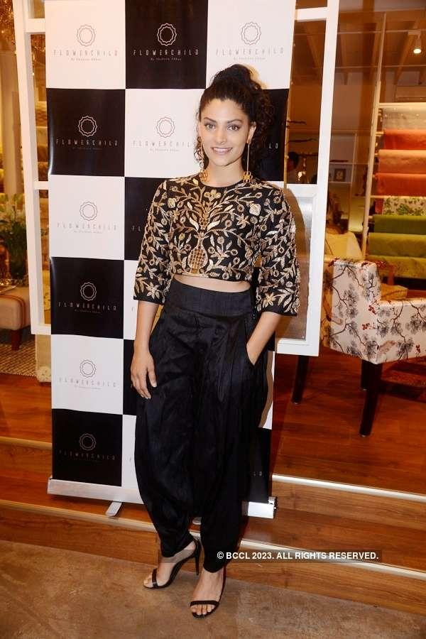 Shaheen Abbas launches her collection 'Oro Crudo'