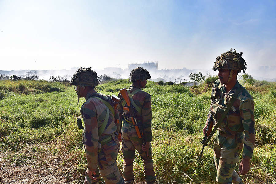 Highly-polluted Bellandur Lake catches fire, 5,000 armymen called