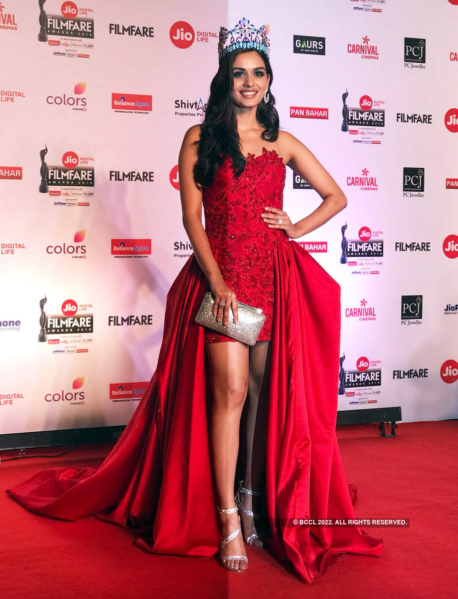 63rd Jio Filmfare Awards: Divas dressed to impress the fashion police