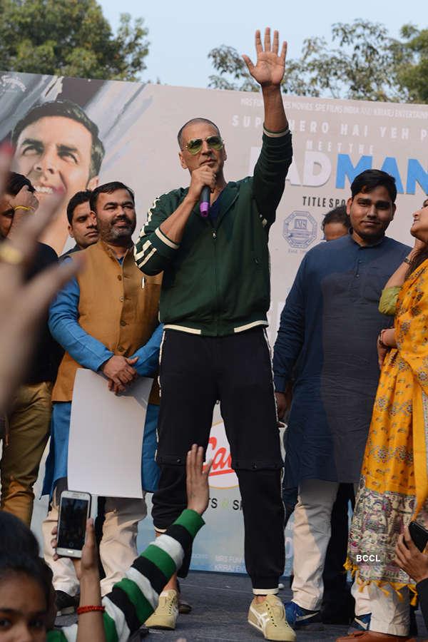 Akshay Kumar flags off Women Marathon