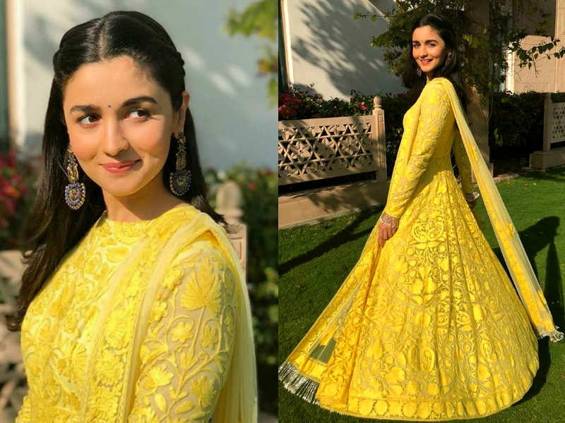 Mehndi Ceremony Outfits : Bright yellow outfit for mehndi