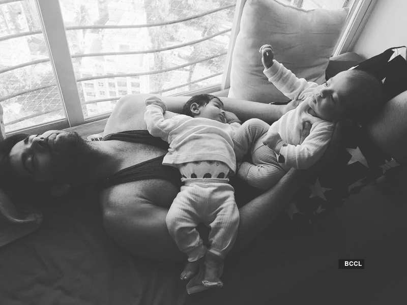 Kinshuk Mahajan's adorable pictures with his twins