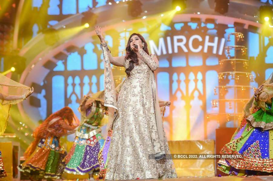 10th Mirchi Music Awards: Performances