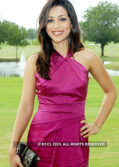 'Aisha' cast @ Golf Club