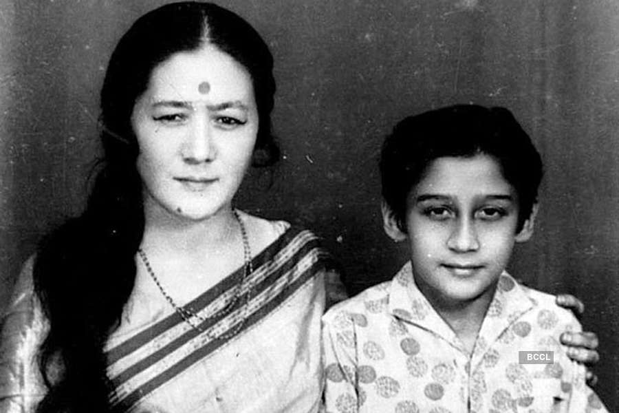 Unseen and rare photos of Jaggu dada aka Jackie Shroff you should not miss