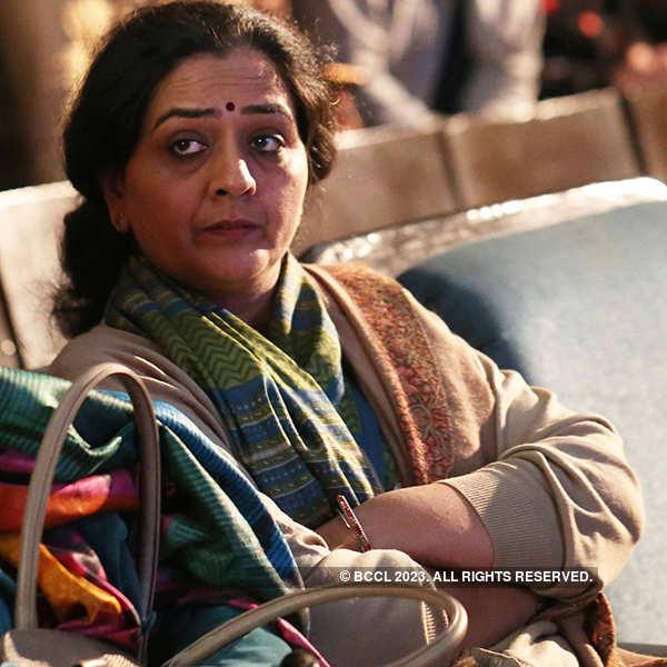 Shashi Tharoor attends Mushaira Literature Festival