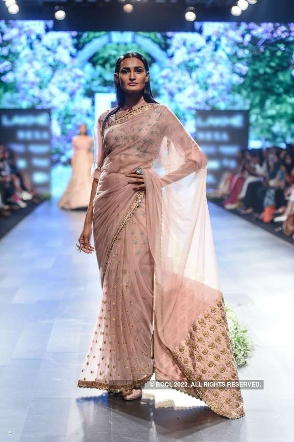 Fashion Week Mumbai '18: Day 4: Sonam & Paras Modi