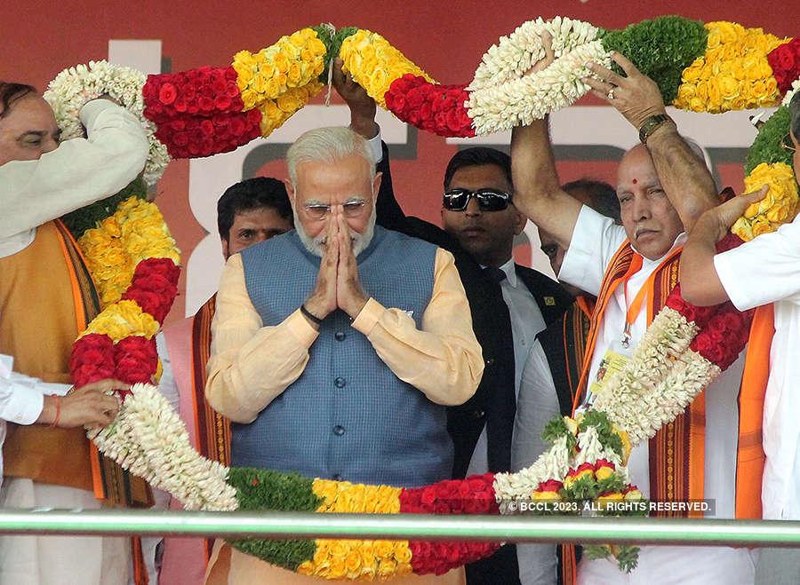 PM Modi addresses crowd of 2 lakh in Bengaluru