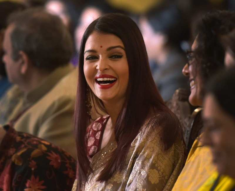 Aishwarya Rai Photos: Hot Images, Latest Pictures of Aishwarya Rai
