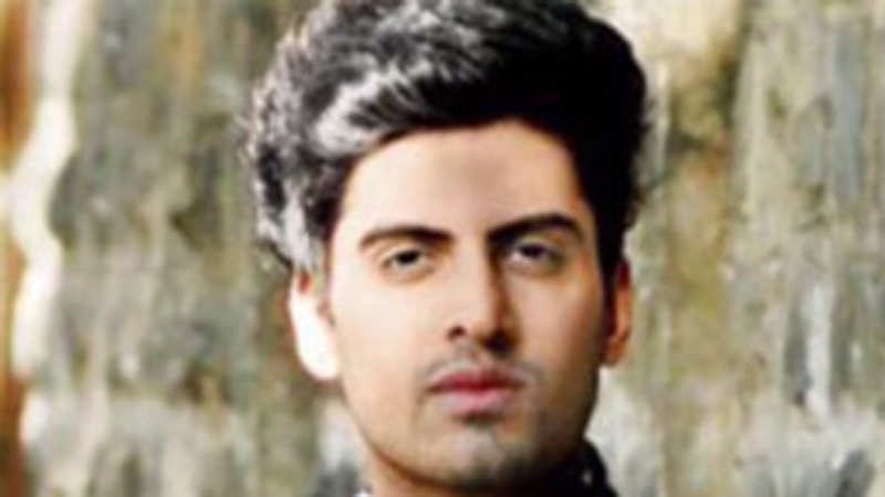 Let's pledge to love and respect everyone around you this Valentine's Day: Sushant Divgikar