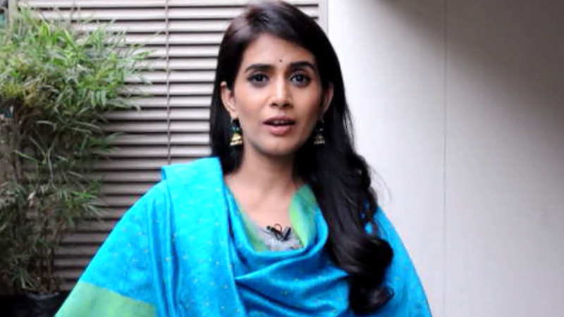 Love is that smile when you are really tired: Sonali Kulkarni