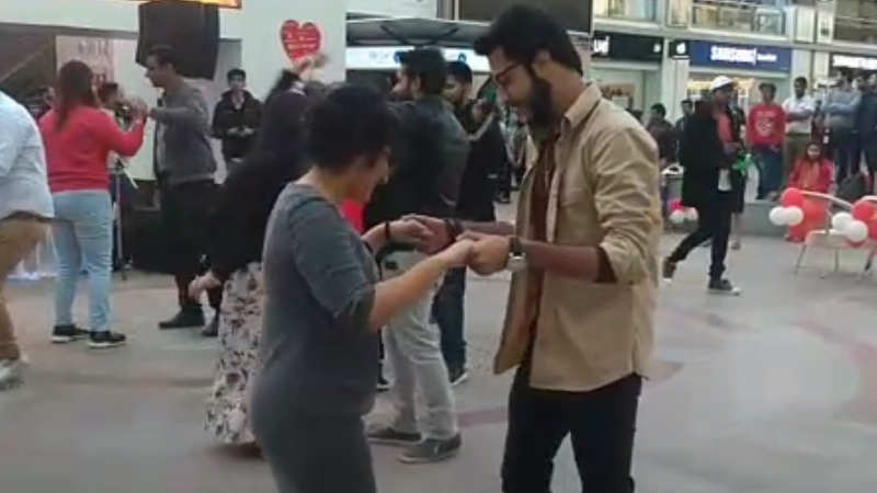 Gurgaon celebrates Valentine's Day with speed dating and salsa
