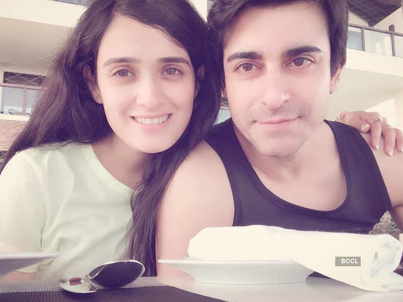 Gautam and Pankhuri's honeymoon pictures you surely can't miss!