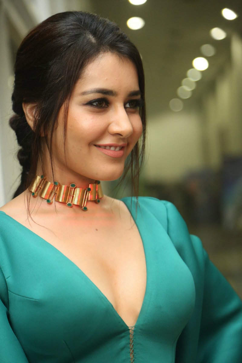 Raashi Khanna Hot Photos Hot  Sexy Images Of Telugu Actress Rashi Khanna  Hd Hq -6128