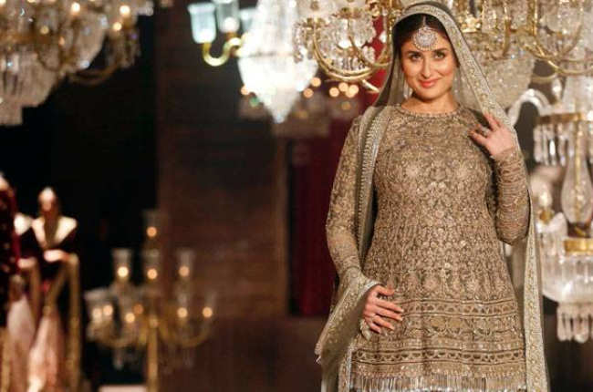 Kareena kapoor as a pregnant lady