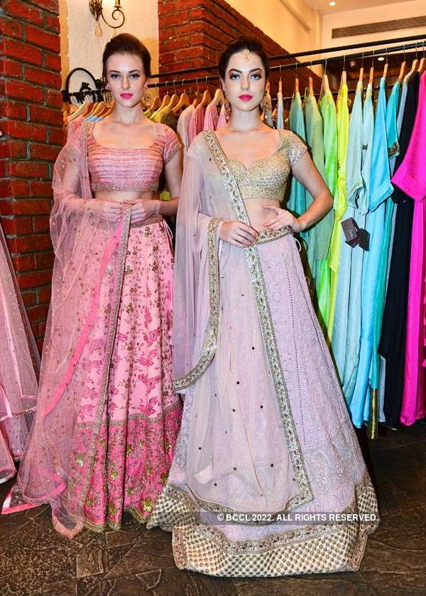Sumona Parekh launches her collection at Hue