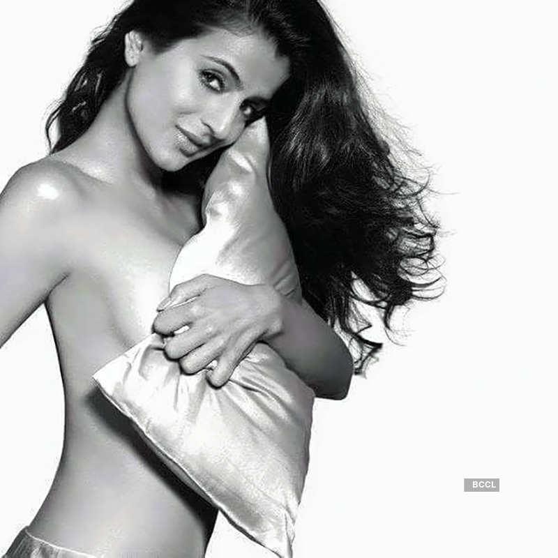 Ameesha Patel beats the heat in style