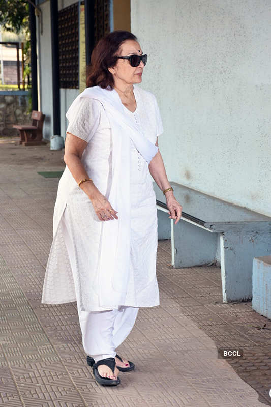 Celebrities pay last respects to veteran actress Shammi
