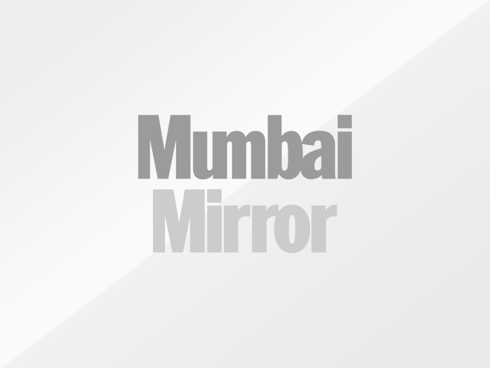 Mumbaikars protest outside Killa Court