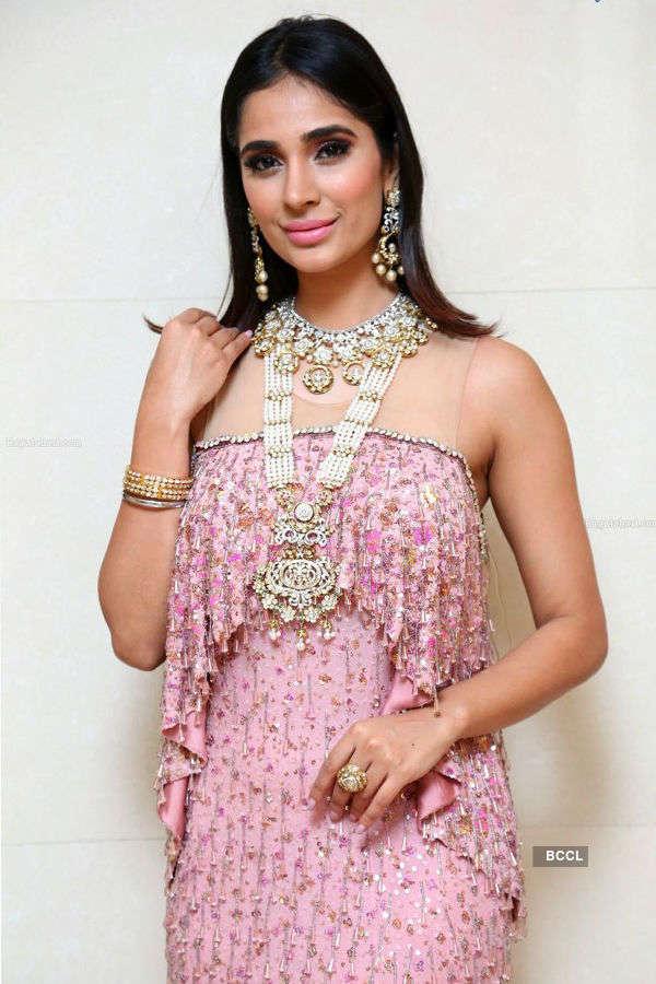 Alankrita Sahai turns showstopper for Kalasha Jewels